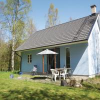Two-Bedroom Holiday home with a Fireplace in Gärsnäs
