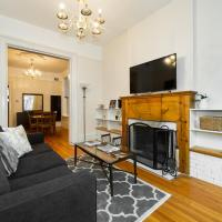 2BR Apartment Heart of Lincoln Park