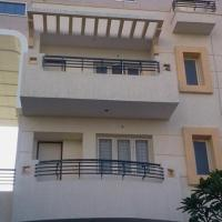 Apartment with free breakfast in Hyderabad, by GuestHouser 37898