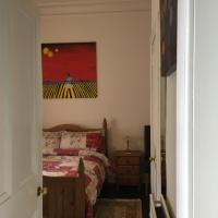 Goldenacre Private Room (Homestay)