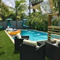 Tropical Garden Bungalow