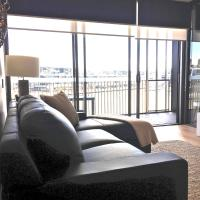 Boutique Properties Canberra Luxury Two Bedroom 'Tanderra Suite' Kingston Foreshore