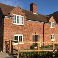 Quarters Living - Courtyard Cottage