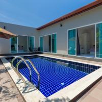 Private NEW pool villa near Laguna
