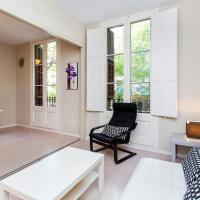 Trendy 3 Bed Flat in Central Area