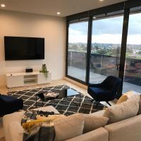 Essendon Sub-Penthouse - StayCentral
