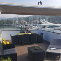 ADRIA Floating House BamBoo