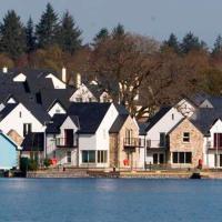 Lakeside Jetty Holiday Homes