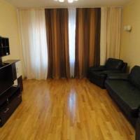 Apartment on Petropavlivs'ka 90