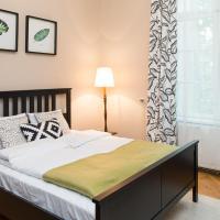 WAWELOVE spacious 3 bedroom apt 1 min to Main Sq!