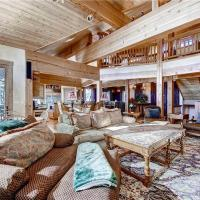 Five-Bedroom - Three Peaks Mountain Lodge