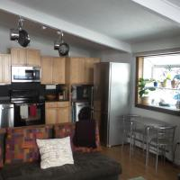 Lovely condo, steps to free Vail bus and markets