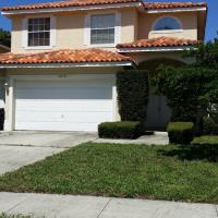 Largo house close to beaches and airport