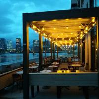 Waterfront Apartment Close to Opera House