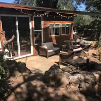 Beautiful Oaktree Retreat