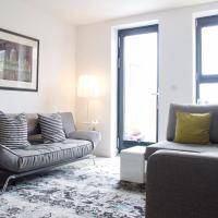 Central 2 Bedroom Apartment with Free Parking