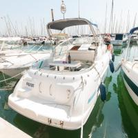 Boat hotel and tours
