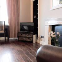 2 Bedroom Central Apartment Sleeps 3