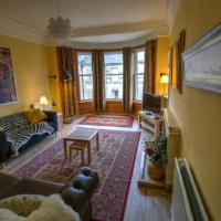 Traditional Edinburgh City Centre Flat Sleeps 6