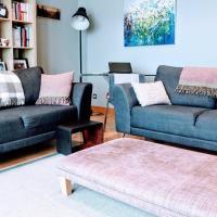 2 Bedroom Apartment with Sea View Sleeps 4
