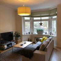 Spacious 100m2 apartment with balcony in Amsterdam