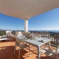 Stunning Apartment With Sea Views Close To Finca Cortesin