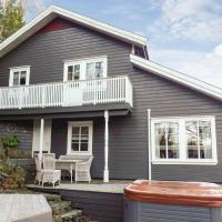 Five-Bedroom Holiday home Lyngdal with Sea View 04