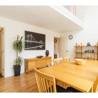 Modern 2Bed Townhouse in Central London Sleeps 6