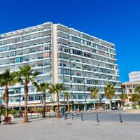 3- bedroom apartment in the centre of Calpe with nice living room, 1 bathroom.