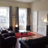 Fabulous 3 Bedroom Central Flat with Castle Views