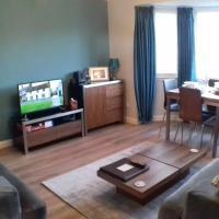 Modern 2 Bedroom Apartment near Haymarket Sleeps 4