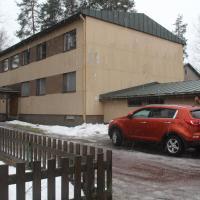 A cozy three-bedroom apartment near the city center of Hyvinkää. (ID 7589)