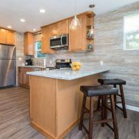 Newly Remodeled Cottage Near Downtown MV and Goog
