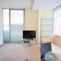 2 Bedroom Apartment in the Heart of Stratford Sleeps 3