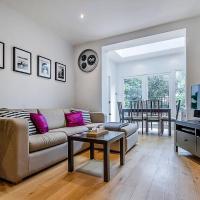 Entire Home in Islington sleeps 4 with garden