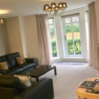 Sandringham House Luxury Apartment, Alwoodley