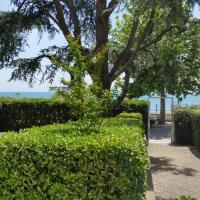 Esclusivo Appartamento Con Terrazzo In Villino Fronte Mare