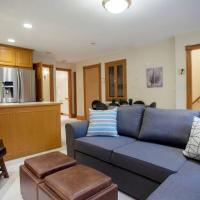 Spacious 1BR Penthouse Apt with Amazing Terrace!