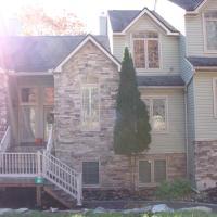 Great Family Mountain House- Steps to Lake & Mountain
