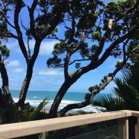 Pihadom ocean front beach house, surfers paradise.