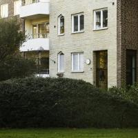 First class bright and modern one bed room apartment available at Köpenhamnsvägen in Slottstaden, close to shops and parks. Excellent for 1 to 3 people. (ID 11638)