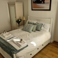 Upper Level Flat nearby GLW Airport