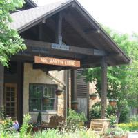 Abe Martin Lodge & Cabins