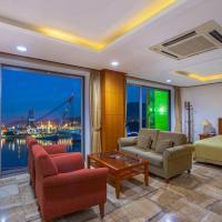 Geoje Island Tourist Hotel