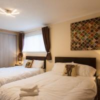 Beautiful contemporary 3 b/room semi hosting 9 ppl