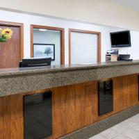 Days Inn & Suites by Wyndham Des Moines Airport