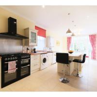Amazing 3-Bedroom Garden Flat for 6 in Ealing