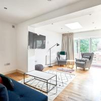 2 bed 2 bath Garden Apartment in Islington