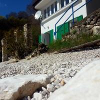 Beach House Bassi