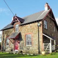 Maesoland Farm House